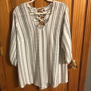 XXL Maurices top